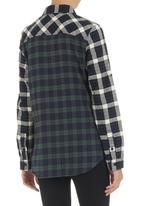 BellField - Checked shirt Blue/White