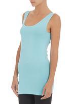 edge - Longer-length Vest Blue