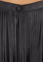 SASS - Cascading fringe top  Black
