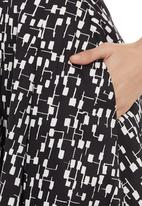 FRIENDS - Full skirt Black/White