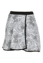 STYLE REPUBLIC - Matching skater skirt set Black/White