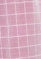adam&eve; - Sheer tulip skirt with underskirt dark Pink