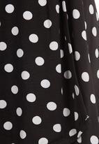 STYLE REPUBLIC - Matching skater skirt set Black & White