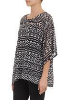 Coppelia - Kimono top with cami Black/White
