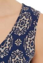 STYLE REPUBLIC - Paisley-print Sleeveless Tie Top Navy