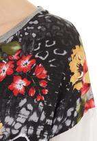 edge - Floral boxy top Black