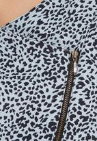 STYLE REPUBLIC - Bomber Jacket Animal-Print