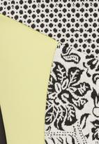 STYLE REPUBLIC - Printed inset pencil skirt Black/White