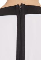 RUFF TUNG - Zip Top Black/White