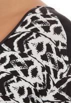 Slick - Top with trim Black/White