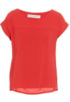 Margot Molyneux - Structured box shirt Red