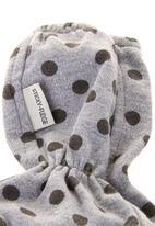 Sticky Fudge - Rowan booties with spot-print Grey