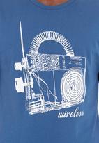 LUCKY FRIDAY - Wireless T-shirt Pale Blue