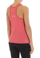 New Balance  - Momentum racerback top Coral