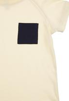 Charlie + Sophie - T-shirt with pocket detail Neutral