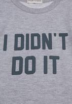 "Sticky Fudge - ""I didn't do it"" T-shirt Grey"