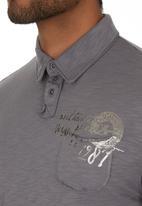 GUESS - Becklin Golfer Grey