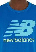New Balance  - Essential NB tee Mid Blue