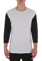 Silent Theory - 3/4 Ball T-shirt Black/White