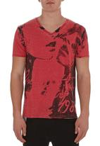 GUESS - Myer v-neck tee Red