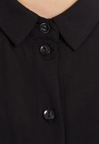 Cherry Melon - Sleeveless Shirt Black