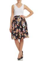 STYLE REPUBLIC - Sateen Floral Skirt Black