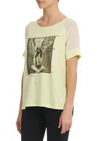 STYLE REPUBLIC - Rock n Roll Tee Chartreuse