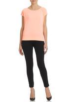 GUESS - Short Sleeve Effortless Active Pullover Orange