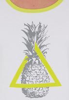 STYLE REPUBLIC - Pineapple-print Tank Green