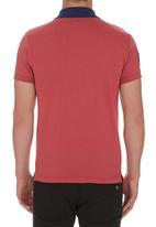 Fire Fox - Diagonal Stripe Golfer Dark Pink