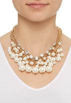 STYLE REPUBLIC - Pearl Cluster Necklace