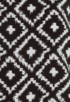 GEORGIE.B - Mono Printed Kimono T-shirt Black/White