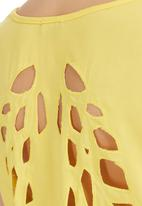 STYLE REPUBLIC - Cut-out Top Yellow