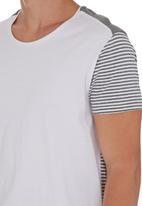 Deacon - Izzard T-shirt Grey