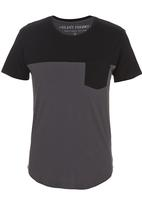 Silent Theory - Scoop T-shirt Black