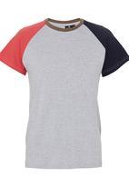STYLE REPUBLIC - Colourblocked tee Grey