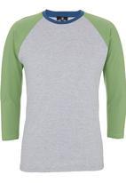 STYLE REPUBLIC - Colourblocked Henley T-shirt Green
