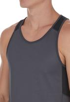edge - Performance Vest with Panel Inset Black