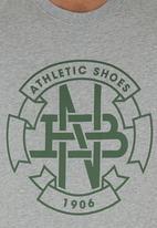 New Balance  - T-shirt Grey