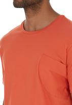 STYLE REPUBLIC - Pocket T-shirt Orange