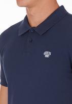 GUESS - Two-tone Golfer Dark Blue