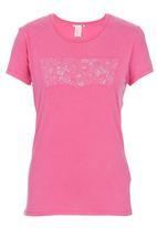 Levi's® - Slim Crew-neck T-shirt Pink