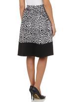 STYLE REPUBLIC - Animal-print A-line Skirt Black/White Black and White