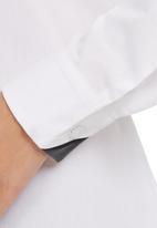 KARMA - Atlas Shirt White