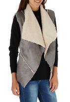 c(inch) - Faux Shearling Vest Grey