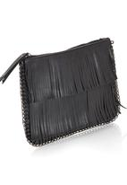 STYLE REPUBLIC - Fringe and Chain Clutch Black