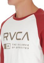 RVCA - Associate Raglan T-shirt Red