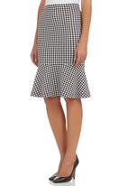 STYLE REPUBLIC - Houndstooth Fishtail Midi Skirt Black/White Black and White