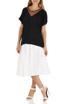 GOOD CLOTHING - V Mesh Top Black