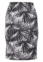 STYLE REPUBLIC - Tropical-print Skirt Black/White